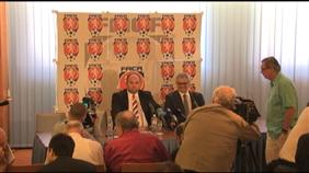 Tisková konference s předsedou FAČR Miroslavem Peltou